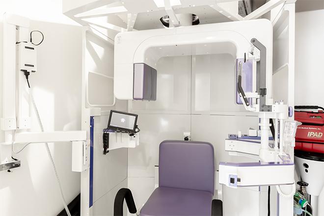歯科用CTを導入親知らずを精密に診査・診断して日常生活に影響がないタイミングでの抜歯をご提案